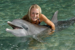 UD alumna Wendy Marks, shown during her time working at Dolphin Quest Hawaii.