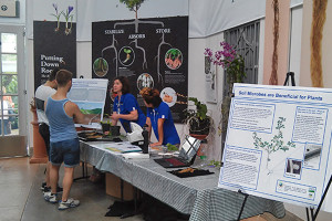 UD professor, students educate public about roots and soil at US Botanic Garden