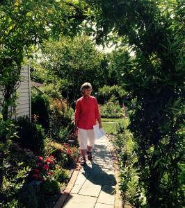 Linda Thompson's backyard featured on City of Newark's Backyard Habitat Tour